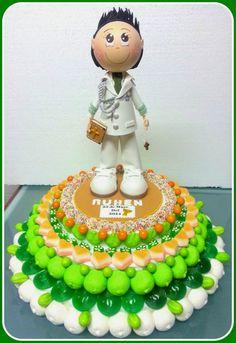 Tarta de chuches - Candy cake - Gâteau de bonbons - Snoeptaart - #gominolas Communion, Candy Art, Candy Cakes, Dessert Bars, Fondant, Creations, Birthday Cake, Sweets, Desserts