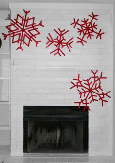 Gigantic Popsicle Stick Snowflakes Craft {tutorial} momspark.net Inexpensive project for outside ornaments