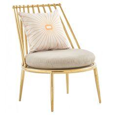 ЛУКСОЗЕН СТОЛ ЗА ОТДИХ  LUXURY LEISURE CHAIR Страхотен акцент за свободното време - луксозен стол за отдих, проектиран така, че да соигури максимално удобство, за да се насладите на почивката си. Столът е изработен от неръждаема стомана със златно покритие, има здрава и плътна тапицерия, която лесно се поддържа. Всички материали са с високо качество, гарантиращо дълготрайна употреба.