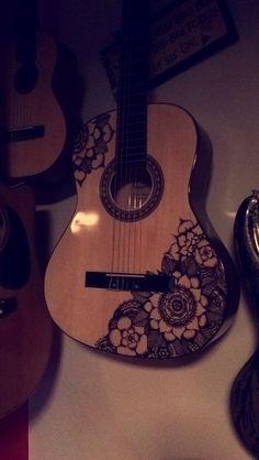 Ukulele Art, Guitar Art, Guitar Songs, Sharpie Drawings, Sharpie Art, Acoustic Guitar Case, Guitar Chords, Ukulele Design, Unique Guitars