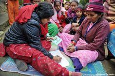 Le donne che ricevono un microcredito sono costantemente monitorate da Fondazione Pangea e dai suoi partner locali per aiutarle nel loro percorso di crescita.