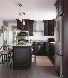 Dark, light, oak, maple, cherry cabinetry and wood kitchen cabinet piece. CHECK THE PICTURE for Lots of Wood Kitchen Cabinets. Espresso Kitchen Cabinets, Kitchen Cabinetry, Kitchen Flooring, Kitchen Backsplash, Grey Cabinets, Backsplash Ideas, Kitchen Countertops, Dark Counters, Kitchen Furniture