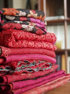 Wouw... Silk kantha.. ❤ The colors!