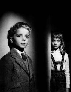 Village of the Damned — Spooky movie, but it could stand a remake. These kids are starting to seem like nothing after some modern-day middle schoolers I've known. Sci Fi Movies, Scary Movies, Great Movies, Movie Tv, Science Fiction, Fiction Film, Akira, Creepy Kids, Wolf
