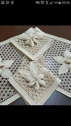 Irish Crochet Dress Trimming- Recreating a 1900 Sophie T. Crochet Lace Edging, Crochet Leaves, Filet Crochet, Irish Crochet, Crochet Doilies, Crochet Flower, Knitting Stiches, Crochet Stitches, Diy Fountain