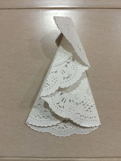 With a lace paper, the Christmas tree . How to make a Christmas tree with lace paper Christmas Crafts For Gifts, Diy Christmas Cards, Diy Christmas Ornaments, Xmas Cards, Diy Cards, Christmas Decorations, Christmas Tree, Diy And Crafts, Crafts For Kids
