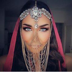 Tribal Face Chain Veil Arabian Burning Man Headdress Rave Wedding Mask Gypsy Festival Belly Dancer Gold Crystal Head Piece Jewelry Bedouin in 2019 Cara Tribal, Tribal Face, Face Jewellery, Headpiece Jewelry, Anklet Jewellery, Rave Wedding, Arabic Makeup, Indian Makeup, Arabian Beauty