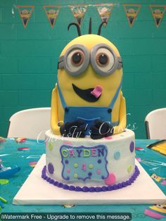 Minion cake! Despicable Me 2 cake