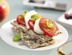 Mozzarella, Tomato & Basil on Crispbread