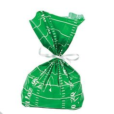 With these Football Field Cellophane Bags on your team of game day treats, you can't lose! Printed to look like a football field, these party gift bags make a spirited way to hand out candy, popcorn a