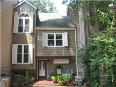 Upgraded 3 Story Craftsman Custom Built Townhouse overlooking Carpenter's Creek.