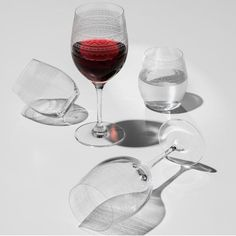 Marius Vannglass (39cl) fra Hadeland Glassverk (2stk) - Hyttefeber.no Wine Decanter, Red Wine, Barware, Alcoholic Drinks, Glass, Products, Drinkware, Wine Carafe, Corning Glass