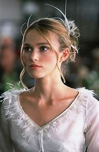 Keira Knightley's Love Actually wedding dress was ...
