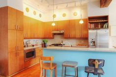 resources for green kitchen and bath renos. like this kitchen :)  (mostly the stools)