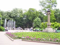 Central Park Chisinau, Moldova  Google Image Result for http://upload.wikimedia.org/wikipedia/commons/d/d4/Central_Parc_Chisinau.JPG