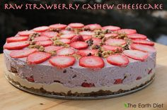 Raw Strawberry Cashew Cheesecake DailyRecipe No cooking involved! Just mix together the ingredients and then layer your cheesecake. This is not only a dessert, but a meal and provides the body with high doses of nutrition, antioxidants and protein. Raw Desserts, Healthy Dessert Recipes, Raw Food Recipes, Just Desserts, Delicious Desserts, Yummy Food, Eat Healthy, Diet Recipes, Healthy Living