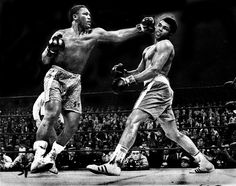 Fight Of The Century - Smokin' Joe Frazier unleashes a left hook from hell on the GOAT, Muhammad Ali