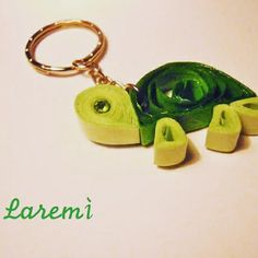Laremì quilling creations-Keychain with turtle- handmade with paper  ♡