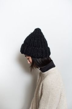 This thick knit beanie will keep you warm all winter long. Available in Beige, Grey or Black. Knit Mittens, Knitted Hats, Fabric Samples, Minimal Fashion, S Girls, Knit Beanie, Girly Things, Lana, Knitwear