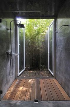 Gorgeous Modern Shower Room Open to Private Courtyard