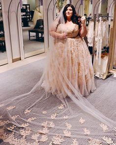 """1dd68a83ea4 Jennifer Buckingham on Instagram  """"The Ultimate Wedding Dress Guide for the Plus  Size Bride is now live on the blog! I partnered with  davidsbridal to share  ..."""