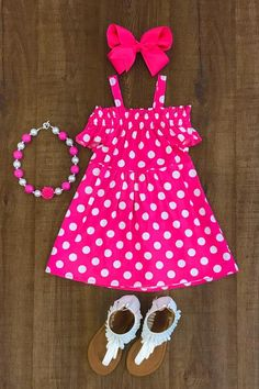 So adorable and perfect for everyday wear this Spring and Summer! Includes dress only. SIZING: Runs true to size.