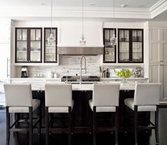 Two-tone cabinetry | Jennifer Worts Design