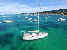 Embarquez pour une journée exclusive de partage et de sensations, et (re)découvrez Saint Martin version grand large! #excursion #caribbean #voyage #saintmartin #sxm #boattrip