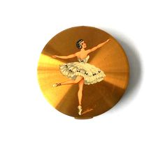 Vintage Stratton Compact for loose powder by MargsMostlyVintage Stratton Compact, White Costumes, Loose Powder, Strike A Pose, Etsy Vintage, Spiral, Unique Gifts, Clock, Buy And Sell