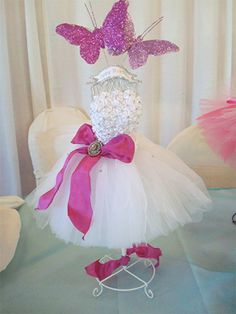 Butterfly theme for XV years - Dale Details Party Centerpieces, Party Favors, Butterfly Centerpieces, Inexpensive Centerpieces, Centrepieces, Bridal Shower, Baby Shower, Ballerina Party, Butterfly Wedding