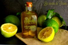 Aceite de oliva aromatizado con limòn I Cocina Natural, Kitchen Recipes, Whiskey Bottle, Cucumber, Detox, The Cure, Bbq, Spices, Perfume