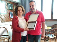 'El Tapeo' recibe su placa como ganador de la Ruta de la Tapa, Felicidades