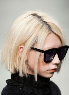 Short Blunt Bob Hairstyles 36 Latest Short Hair Trends for Winter 2017 2018 - Hairstyles Ideas My Hairstyle, Pretty Hairstyles, Bob Hairstyles, Hair Inspo, Hair Inspiration, Short Hair Cuts, Short Hair Styles, Short Bob Hair, Short Blunt Bob
