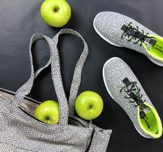 Sneaker Resin: http://www.tamaris.de/resin/1-1-23707-26.html#color=6055  #sneaker #sport #dots #blackandwhite #shoes #tamaris Art.-Nr.: 23707