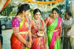 Indian Wedding Jewelry, Indian Bridal, Indian Jewelry, Bridal Jewelry, Gold Jewellery, Bride Entry, Indian Outfits, Indian Clothes, South Indian Bride
