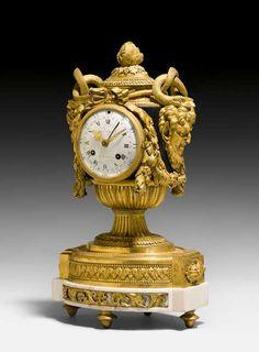 """PRUNK-PENDULE """"AUX TETES DE FAUNES"""", Louis XVI, das Modell R"""