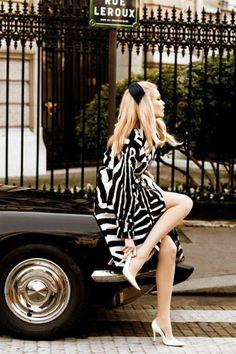 """thefashionmagpie: """" Claudia Schiffer looking tres Parisienne-chic. """" Claudia Schiffer - April 2008 - Vogue Italia - Photo by Ellen von Unwerth Ellen Von Unwerth, Look Retro, Look Vintage, Vintage Glam, Vintage London, Vintage Pins, Retro Style, Vintage Inspired, Fashion Art"""