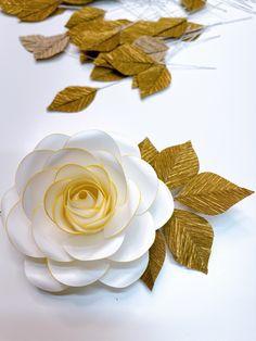 Paper Flowers Wedding, Giant Paper Flowers, Paper Flower Tutorial, Flower Center, Flower Template, The Masterpiece, Flower Designs, Card Stock, Crafty