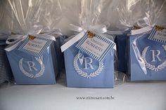 Lembrancinha Maternidade Sofisticada para chegada do Roberto, caixinhas com bordado. Gift baby www.mimosart.com.br