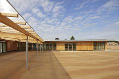 NOMADE Architectes : Groupe scolaire des Bartelottes - ArchiDesignClub by MUUUZ - Architecture & Design