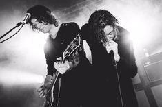 Strictly the latest news, photos and videos of the band Catfish and the Bottlemen Van Mccann, Ryan Evans, Catfish & The Bottlemen, Band Photography, Guitar Solo, Alternative Music, My Chemical Romance, John Lennon, Music Stuff
