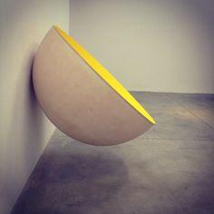 Anish Kapoor | Lisson gallery | London Abstract Sculpture, Sculpture Art, Lisson Gallery, Anish Kapoor, Art Things, Mind Blown, Photo Art, Contemporary Art, British