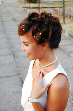Wedding hair do with crystals. Romantic style. Makeup and hair made by YS