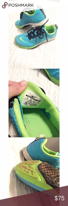 NIKE lunarlon running shoes 👟 These shoes have only been worn once (obviously in wet sand 😂) and are the perfect running shoes! The blue/green combo makes them cute and stylish, while the tread and style makes them super comfortable! Nike Shoes Athletic Shoes