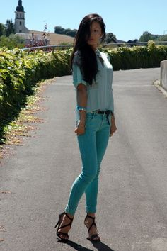 SUNZIBAR: TURQUOISE SHADES LIKE A MERMAID street style