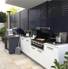 45 Exceptional Outdoor Kitchen Ideas and Designs to Makeover Your Home - Contemporary Modern Kitchen Ideas, Small Kitchen Renovation, DIY, Designblaz Modern Outdoor Kitchen, Outdoor Kitchen Bars, Pizza Oven Outdoor, Backyard Kitchen, Outdoor Cooking, Kitchen Rustic, Contemporary Kitchen Diy, Small Outdoor Kitchens, Modern Outdoor Living