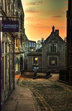 West Brow in Edinburgh, Scotland