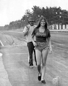 Drag girls vintage racing
