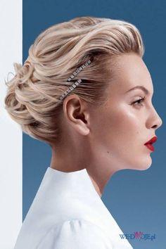 Upiecie z włosów długich - włosy blond
