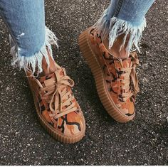 Sneakers - Shop for Sneakers on Wheretoget